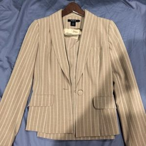 Arden B Size 4 Tan Suit Jacket and Skirt